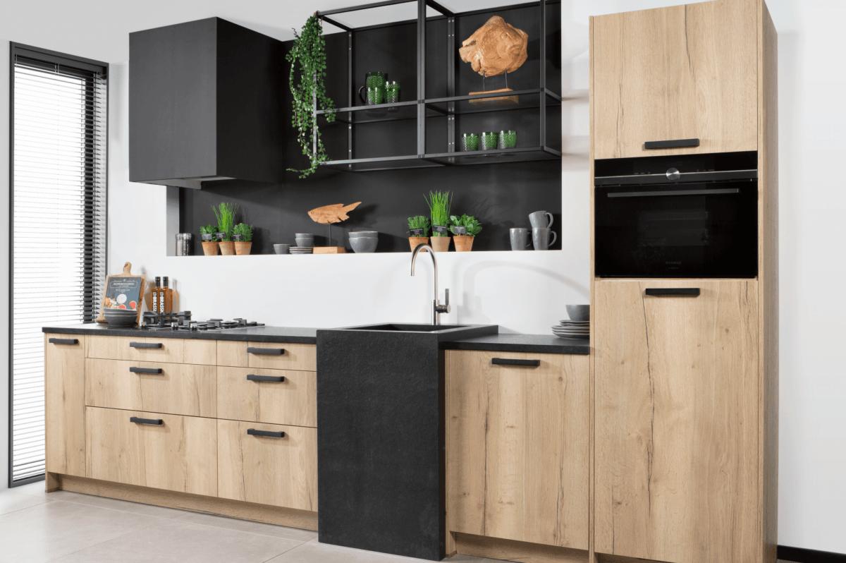 houten urban keuken zwart